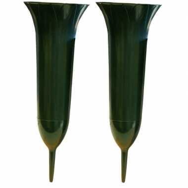 2x groene kunststof grafvazen 37 cm